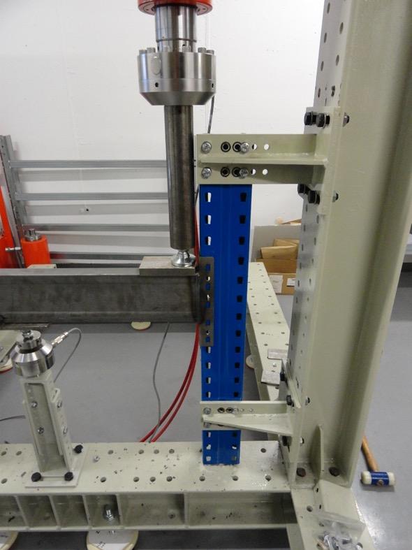 La importancia de disponer de un laboratorio de ensayos para la fabricación de estanterías industriales