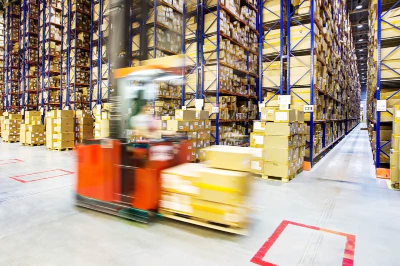 ¿Cómo saber la capacidad de un almacén de paletas?